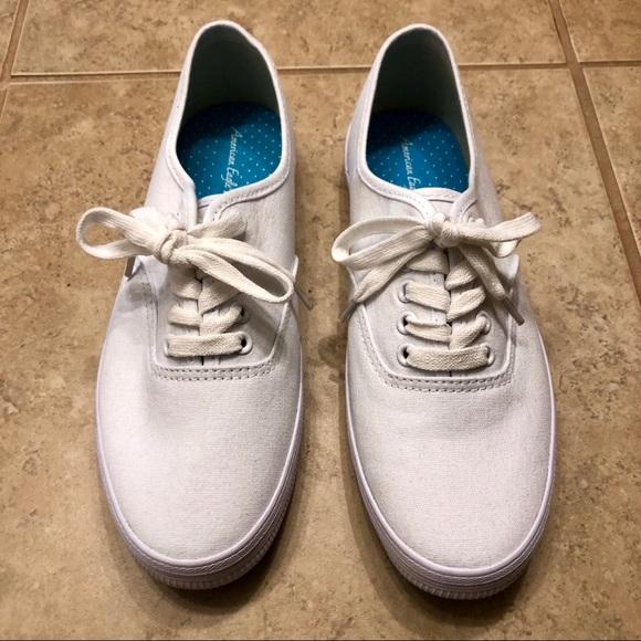 White Canvas Shoes Nwot   Poshmark